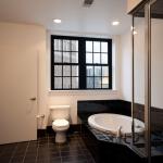 The Belesario - Bathroom