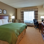 Country Inn and Suites Buffalo South - king