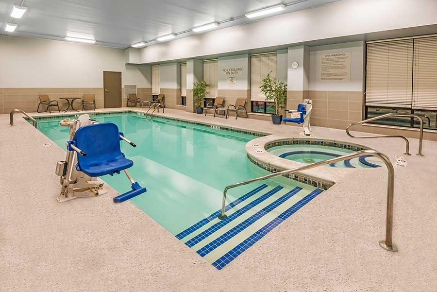 Wyndham Garden Williamsville pool
