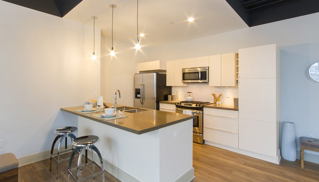 905 Elmwood refurnished kitchen