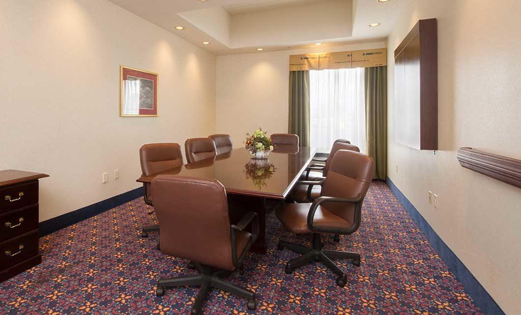 Hampton Inn Buffalo Meeting Room