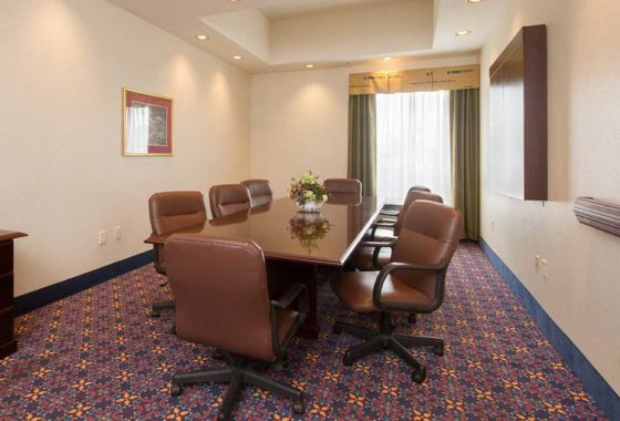 Hampton Inn Buffalo Meeting Room