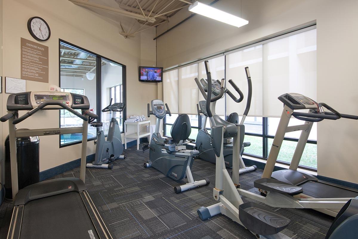 Days-Hotel-Fitness